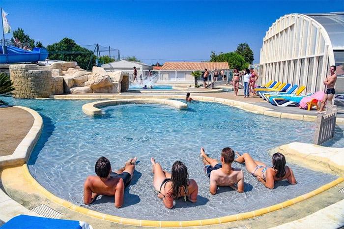 piscine du camping indépendant Le moulin de la salle