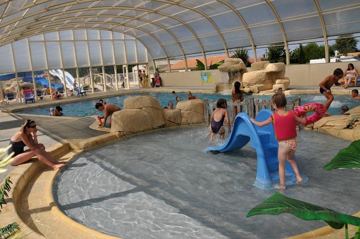 grande piscine couverte du camping