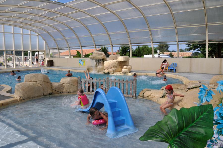 pataugeoire de l'espace aquatique du camping proche des Sables d'Olonne