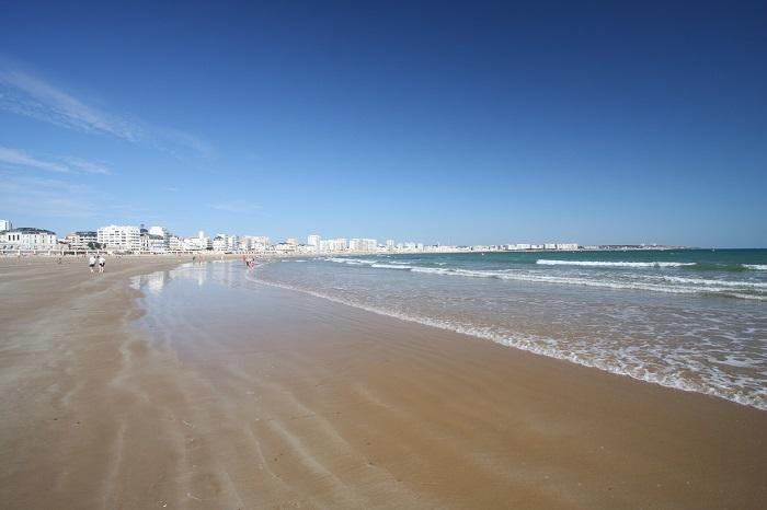 plage des sables d'Olonne à proximité du camping